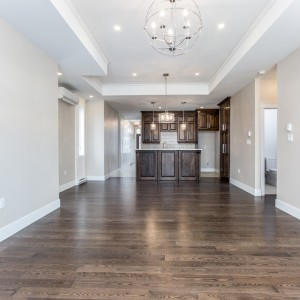 14 Titus Court: Open Concept Kitchen / Living Room