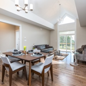 36 Auberry Street: Open Concept Dining / Living Room