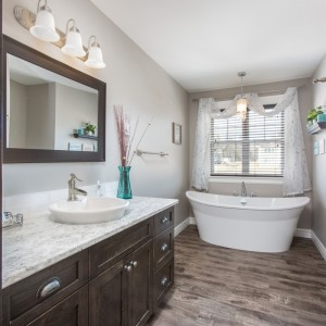 36 Briarcroft: Bathroom