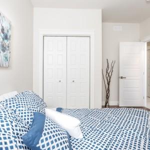 16 Titus: Bedroom