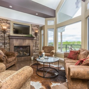 33 Hammond: Living Room