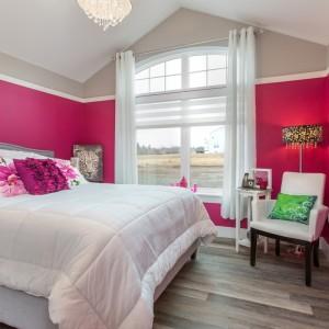36 Shari Lane: Bedroom
