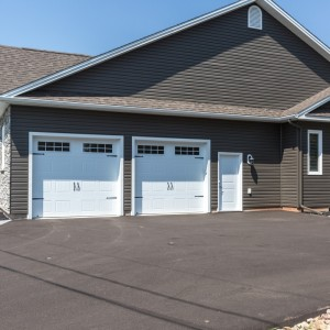 37 Auberry: Garage
