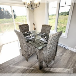 46 Eaglewood: Dining Area